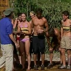 Jeff gives Nakúm its reward after winning the second <a href=