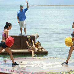 Ciera takes on her mother Laura at the Immunity Challenge.