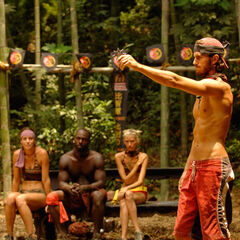 Erik competing in the Immunity Challenge.