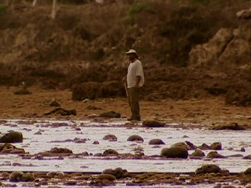 File:Survivor.Vanuatu.s09e02.Burly.Girls,.Bowheads,.Young.Studs,.and.the.Old.Bunch.DVDrip 213.jpg