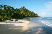 Beach-paradise-island-sumatra-indonesia-4-600x400
