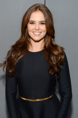 Zoey Deutch ELLIE