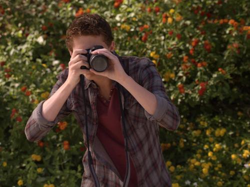 File:Emmett points camera.jpg