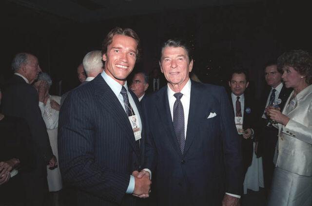 File:Reagan+Schwarzenegger1984.jpg