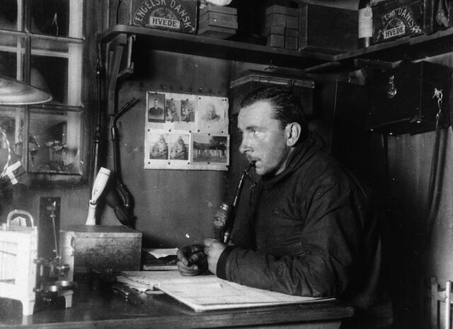File:Wegener Expedition-1930 008.jpg