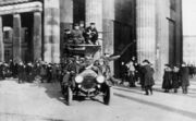 Bundesarchiv Bild 183-B0527-0001-810, Berlin, Brandenburger Tor, Novemberrevolution
