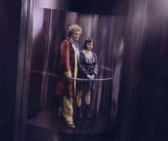 File:6 and Peri on Elevator.JPG