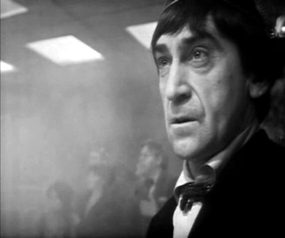 File:Second Doctor vs GI Web of Fear.jpg