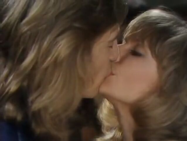 File:Jo and Cliff Kiss.jpg