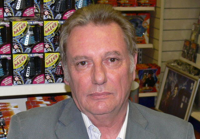 File:Paul Darrow.jpg
