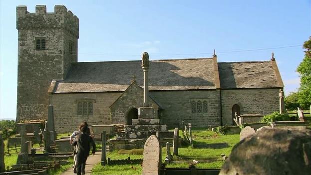 File:Little Malding Church.jpg