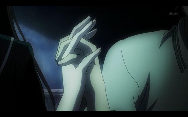 File:Teiichi yuuko hold hands 2.jpg