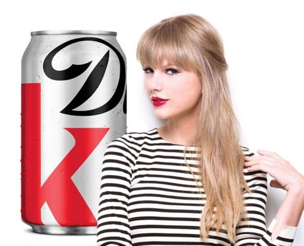 File:20130523123451Rebecca Minkoff Taylor Swift Diet Coke.jpg