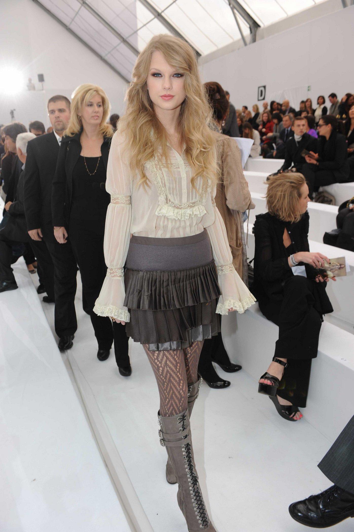 Image - Taylor Swift D'lite Sparkling+Boots 14.jpg | Taylor Swift ...