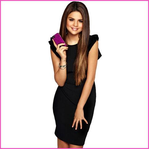 File:Selena Gomez Case-Mate.jpg