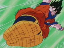 Goku attacks Freeza with his feet