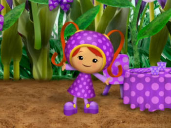 File:Purple polka-dot dress.png