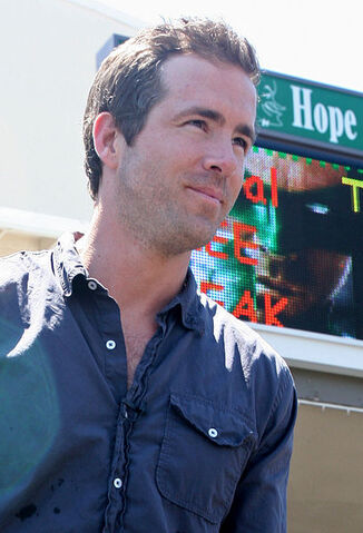 File:Ryan Reynolds.jpg