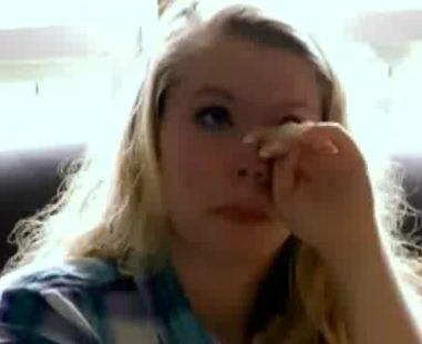 File:Kailynupset.png