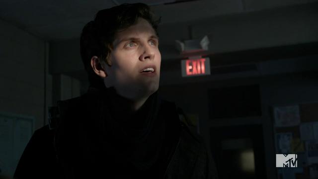 File:Teen Wolf Season 3 Episode 3 Fireflies Daniel Sharman Isaac Lahey here comes the sun.png