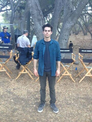File:Teen Wolf Season 3 Behind the Scenes Dylan O'Brien body double ad.jpg