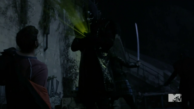 Datei:Teen Wolf Season 3 Episode 23 Insatiable Allison Kills and Oni.png