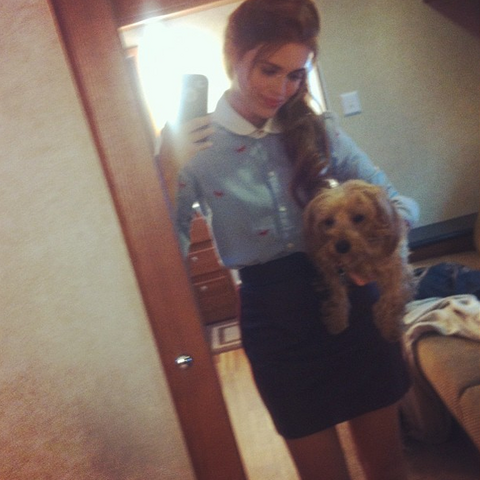 File:Teen Wolf Behind the Scenes Season 3 Holland outfit with Fievel.png