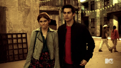 Teen Wolf Season 4 Episode 401 The Dark Moon Stiles and Lydia this is a bad idea.png