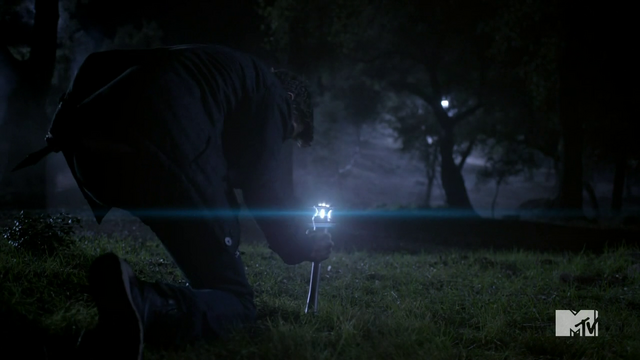 File:Teen Wolf Season 3 Episode 3 Fireflies ultrasonic emitter.png