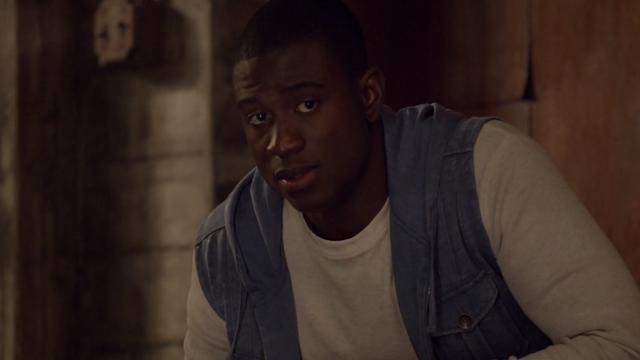 File:Teen Wolf Season 3 Episode 7 Currents Sinqua Walls Boyd in Derek's Loft.png