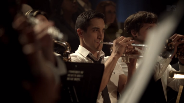 File:Teen Wolf Season 3 Episode 9 The Girl Who Knew Too Much Keahu Kahuanui Danny plays his trumpet.png