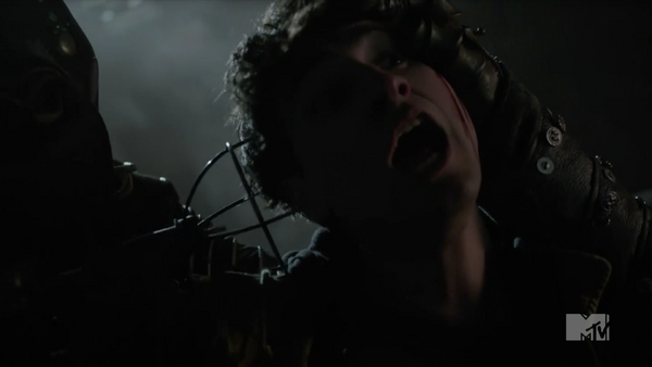 Teen wolf season 5 tease Doctor close up victim