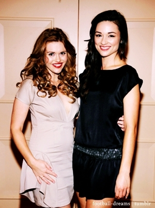 File:Holland Roden and Crystal Creed.jpg