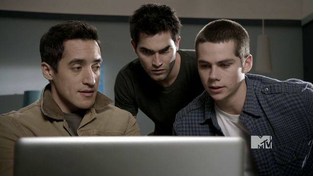 File:Danny helps with hacking.png
