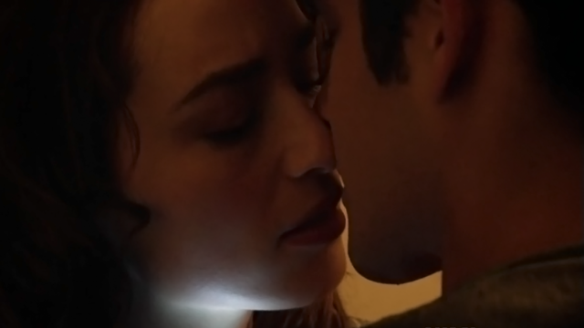 File:Teen Wolf Season 3 Episode 7 Currents Crystal Reed Scott McCall Allison and Scott almost kiss.png