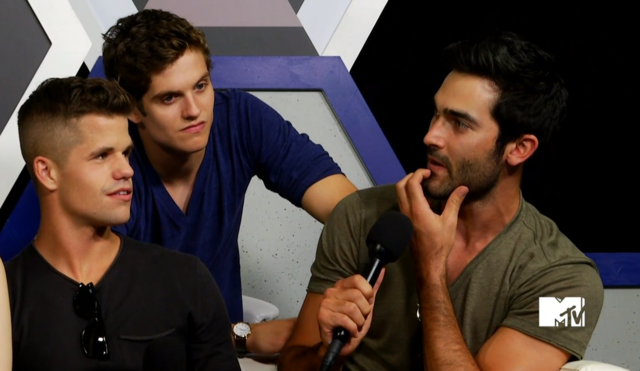 File:Teen Wolf Season 3 Behind the Scenes SDCC Charlie Carver Daniel Sharman Tyler Hoechlin MTV Live Stream.png