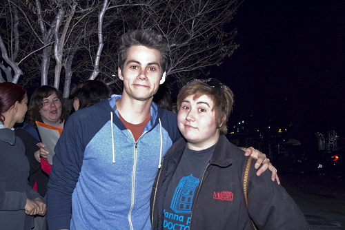 File:Teen Wolf Wikia Season 3 Behind the Scenes Fans Dylan OBrien 2.png