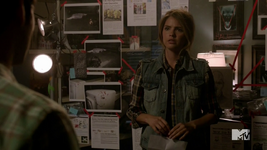 Teen Wolf Season 4 Episode 8 Time of Death Malia with the murder board