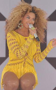 220px-Beyoncé Knowles GMA 2011 cropped