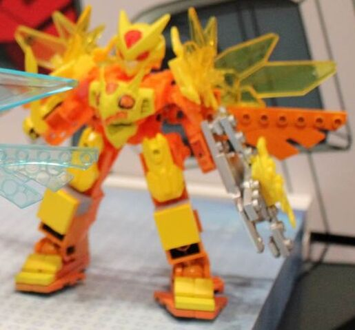 File:Elemental Titan Lydendor at NY Toy Fair 2014.jpg