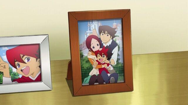 File:Photo of Mrs. Nash, Mr. Nash, and Guren.jpg