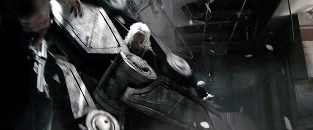 File:Terminatorsalvation-302-8.jpg
