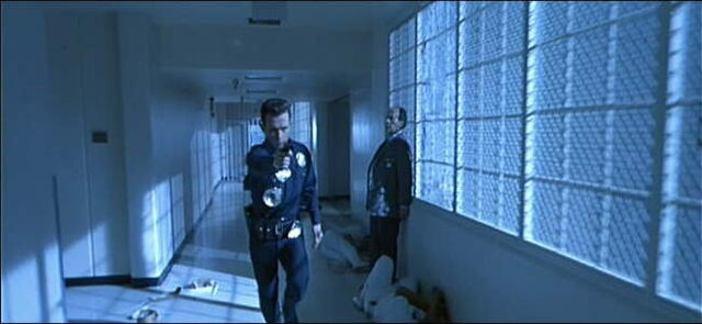 File:The T-1000 running in the hall.jpg