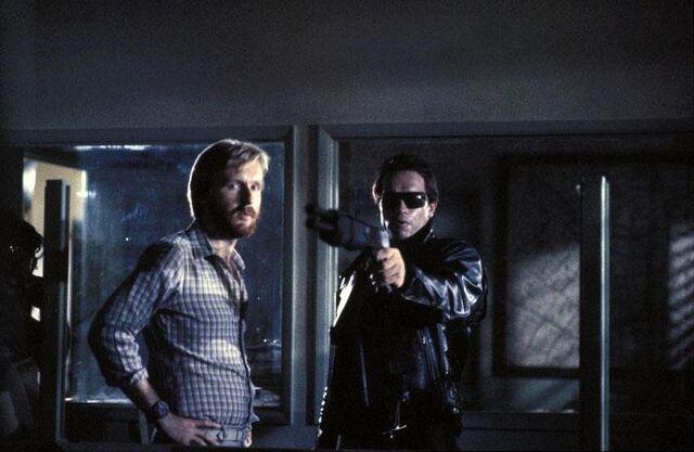 File:T1- Cameron and Arnie on-set.jpg