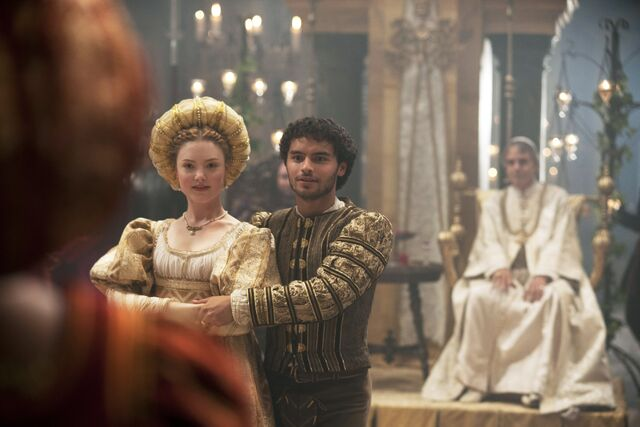 File:004 Siblings episode still of Lucrezia Borgia and Alfonso of Aragon.jpg