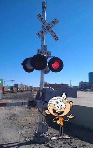 File:Lincoln Loud posing near Railroad Crossing Signal.png
