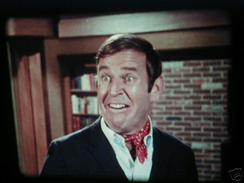 File:Paul-lynde-as-uncle-arthur-on-bewitched.jpg