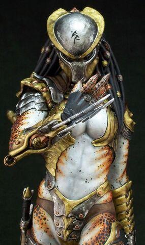 File:Female-Predator-cosplay-e1357361390760.jpg