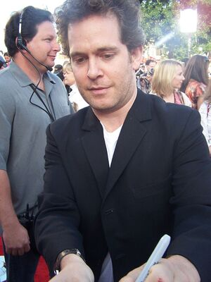 800px-Tom Hollander 1