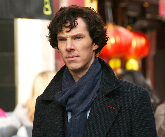 File:Benedict Cumberbatch filming Sherlock cropped2.jpg